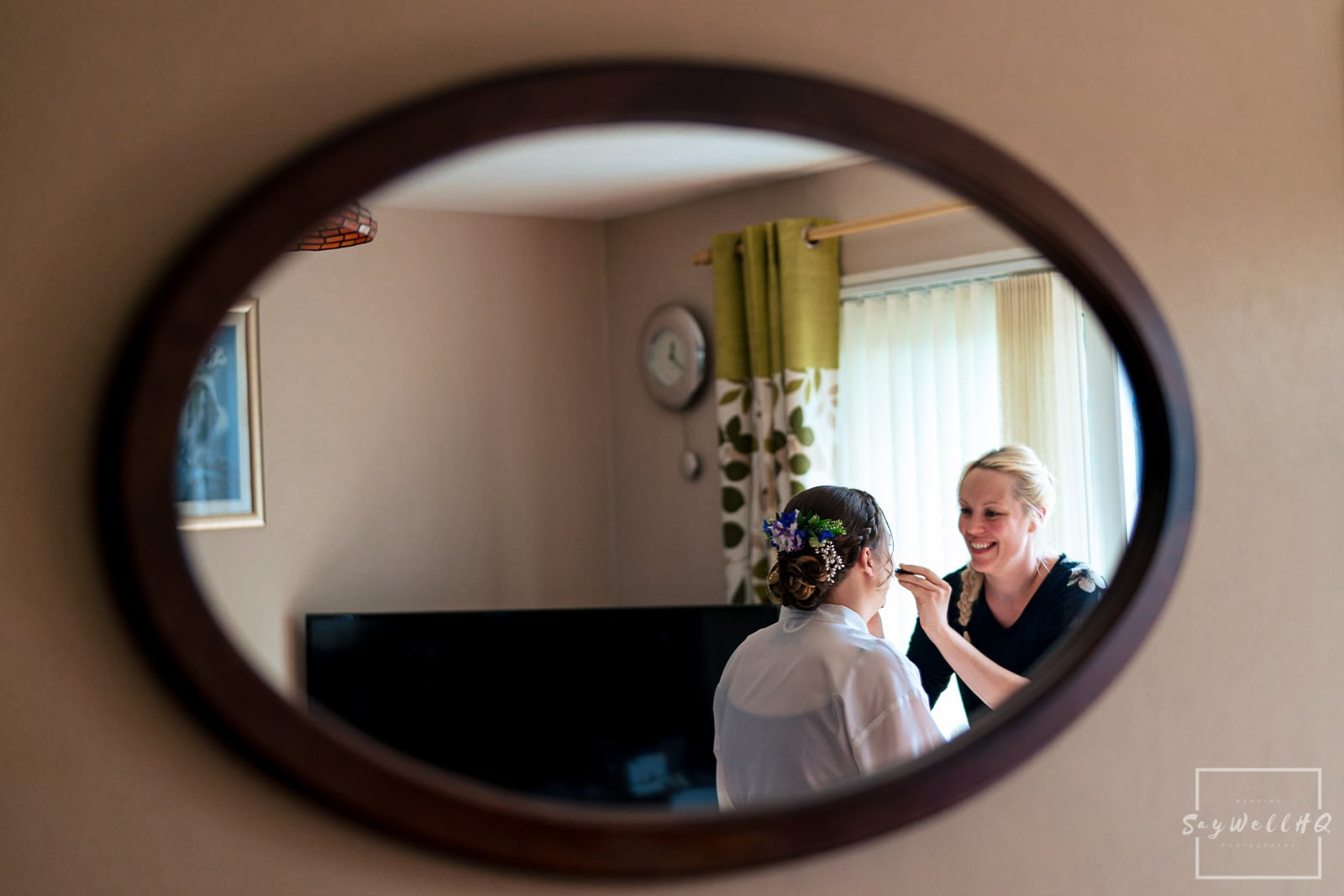 Swancar Farm Wedding Photography - Bride and Bridesmaids getting ready for the wedding