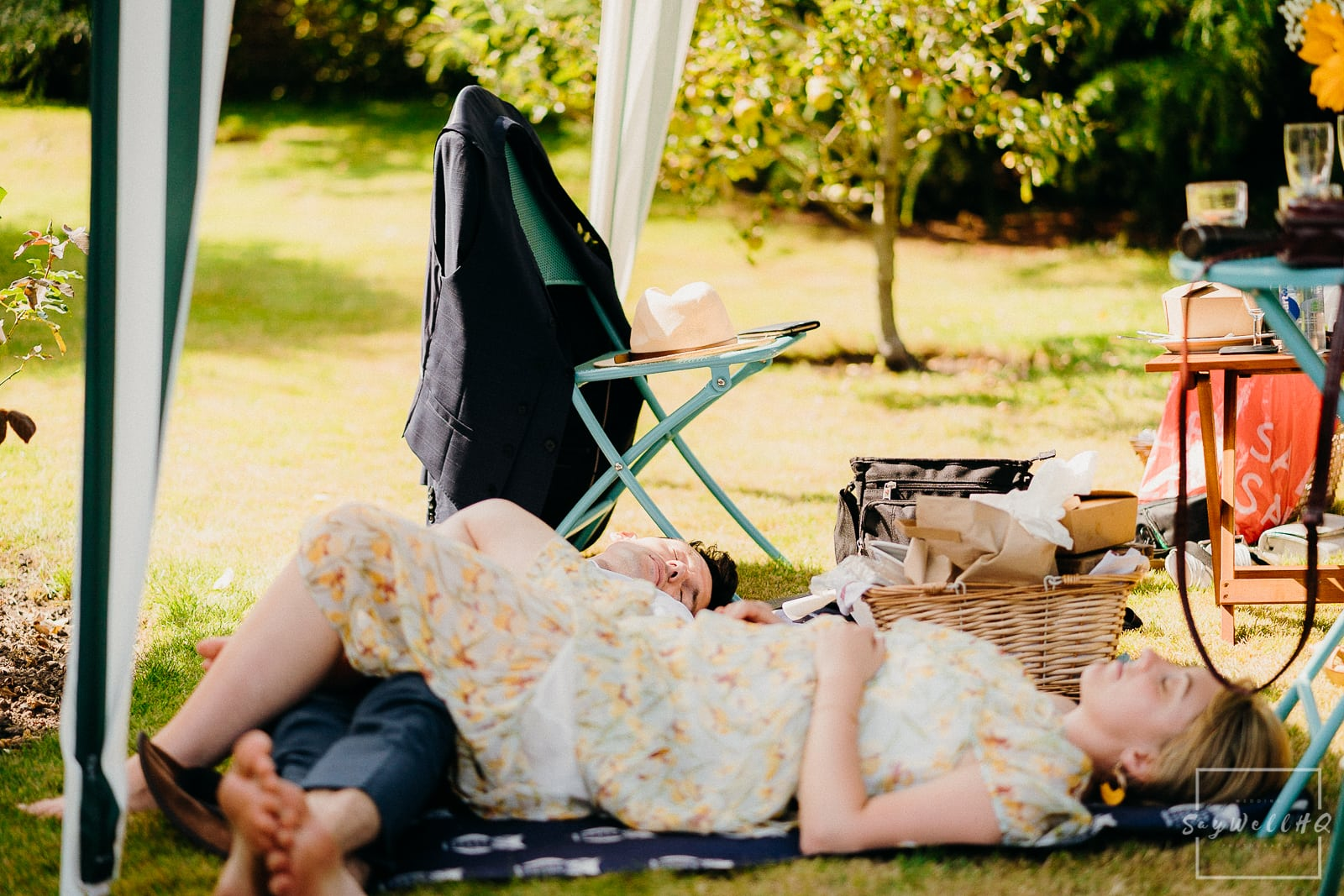 Derby Church Wedding Photography - Wedding guests enjoying the afternoon picnic and summer sunshine